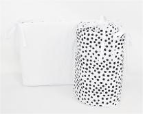 Dvostranska obroba za posteljico BELA - BELA črne pike nepravilnih oblik, 180x30 cm Largo